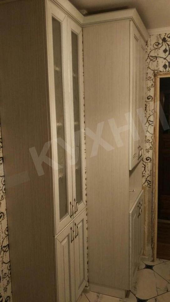 Крашеный МДФ  ГЛАЗГО Белый структурный с патиной серебро